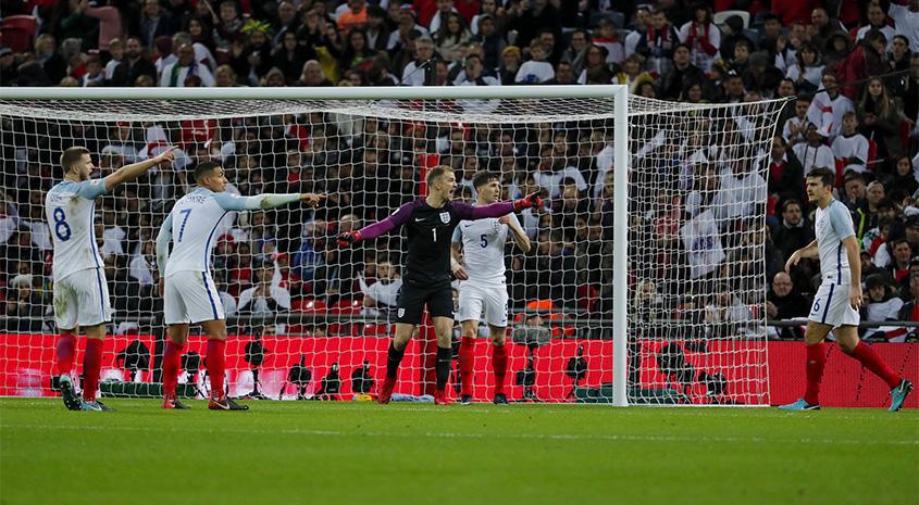 Netherlands v England: tickets still available